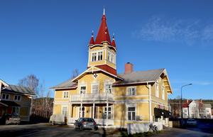 Gluggenhuset är även ett av Ånges mest iögonfallande hus och såldes 2017 till Dicer management AB.