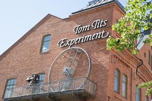 Tom Tits experiment är ett välkänt besöksmål i Södertälje, men kommunen måste bli bättre på att tala om vad som mer finns att göra för turisterna.