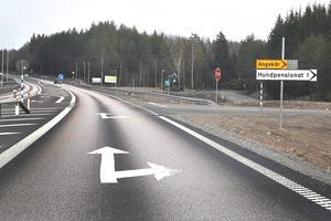 Vägkorsning Angskär längs Kapellsärsvägen.