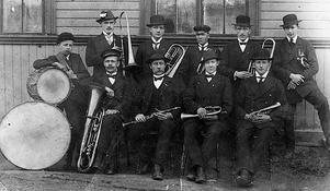 En hornmusikkår i Hedesunda. 1910.