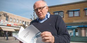 Tidigare riksdagsmannen och numera kommunpolitikern i Köping, Lars-Axel Nordell (KD), väntar på att betänkandet
