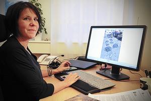 Maria Höglund, miljöhandläggare på Länsstyrelsen kan inte säga om eller när gifttunnorna i Sundsvallsbukten kan saneras.