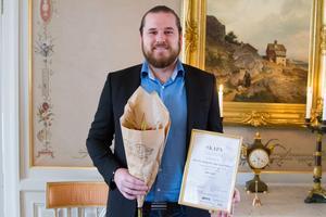 Jon God fick ta emot priset för årets unga innovatör och uppfinnare i Västernorrland 2019.
