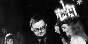 Länets Lucia 1973, Hillevi Olsson, kröntes av Yngve Gamlin.  Foto: Kjell Bollnert