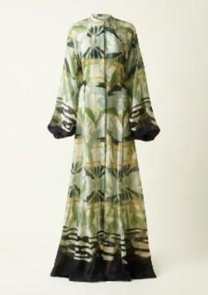 Den här klänningen har inspirerats av Karin Larssons väv efter Carl Larssons tavla Pegasus. Väven finns upp satt i Carl Larssongården.  Foto: H&M