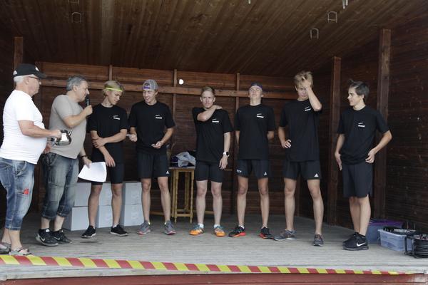 Vinnarna! Woxlins åkeri, bestående av Lars Carlström, Pelle Jonasson, Jesper PErsson Victor Kröjs, Filip Fahlström och William Woxlin.