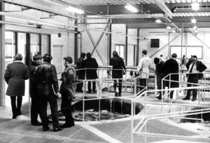I mars 1972 fick Bräcke en ny reningsanläggning. Kommunstyrelsens ordförande Valter Edström, verkmästare K.E. Lind och kommunfullmäktiges ordförande Ingvar Sundberg (närmast kameran till höger) var enligt en artikel i ÖP överens om att anläggningen var ren, ljus och luktfri.