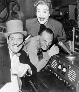 Meredith Burgess som Pingvignen, Frank Gorshin som Gåtan och Cesar Romero som Jokern i tv-serien