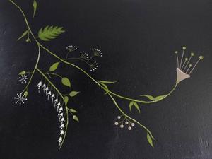 Dekorations- och schablonmålning är en trend som kommer starkt. Det är ett bra sätt att skapa en personlig inredning. Den här väggen är målad med färg från Alcro.Foto: Alcro