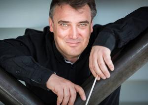 Gävlesymfonikernas chefdirigent Jaime Martín.   Foto: Gävle konserthus