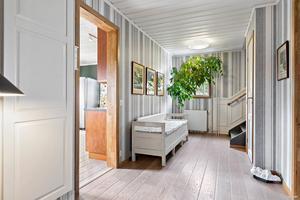 Hallen är inredd i klassisk stil.