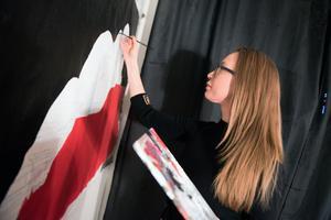 I Örnsköldsvik är Anna-Theresé Eivinsdotter mest känd som konstnär.