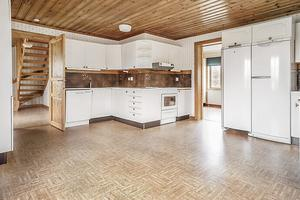 Huset i Frändesta. Foto: Länsförsäkringar Fastighetsförmedling