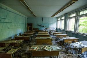 En övergiven skola. Besökare kan inte smittas av radioaktivitet, däremot kan de få med sig radioaktiva partiklar på kläder och skor. Foto: Thomas Nordström