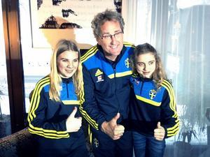 Vallhovsskolans egna sportreportrar, Tilda Eriksson Jäder och Linnéa Bergström träffade svenska fotbollslandslagets förbundskapten Erik Hamrén inför mötet med Argentina.