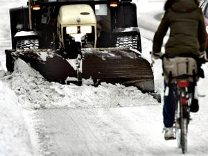 Ju fortare snön kan plogas bort dessdå bättre.