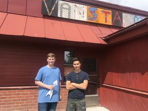 Arne Johnson och Philip Millenros sommarjobbar som lägerledare på Makerspace.