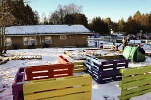 För fastigheten Smedjan i Hissmoböle saknas bygglov men kommunen bedriver ändå verksamhet med barn på platsen. Något som nu lett till byggsanktionsavgift på 340 000 kronor.