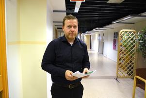 Peter Johansson håller i den utredning som han gjort och som presenterades under måndagen.