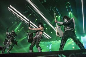 Kiss bildades i New York 1973, har släppt skivor som