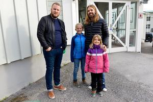 Daniel Andersson tillsammans med Patrik Näslund och hans barn Malte och Elma-Lo.