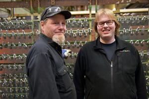 Håkan Olsson och Mattias Olsson jobbar hos Y-tech i Mellansel.