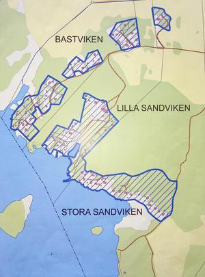 Så här ser de omstridda verksamhetsområdena för kommunens VA-nät ut. Jordbruksfastigheten Lilla Sandviken kan inte undantas, menar kommunen.