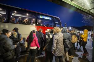 Sedan busstrafiken ändrades i Hudiksvall har buss 53 mot Delsbo och Ljusdal ofta blivit överfull under avgången 16.12.