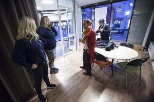 Härifrån kommer radio- och webb-tv-sändningarna att göras och från Drottningatan kommer förbipasserande att kunna se in i studion, Fönstret.