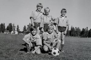 Överst fr. v: Hans Moberg, Sven Åke Axelsson, Christer BokvistFrämre raden från vänster: Jörgen Hagberg och Peter Cedermark.Foto: TH:s arkiv.