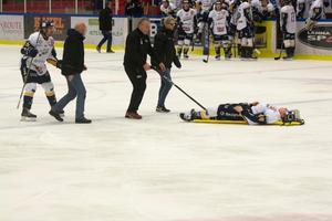 Kasper Lindqvist var vid medvetande när han sköts ut liggandes på bår.