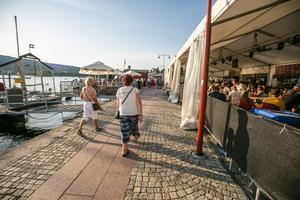Det blir inget krogstråk, men kanske kan andra barer och caféer flytta ned till hamnen, menar insändarskribenten.