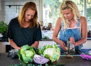 Johanna Andersson och Caroline Wilbois från Dietistens val medverkar med sina tips till Helahälsan. Bild: Privat.