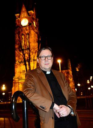 Kyrkoherde Stefan Andersson vill tillbaka till det som är hans kall. Efter sommaren blir han församlingspräst i Selånger.