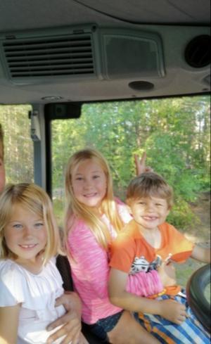 Barnen Amanda, 6,, Matilda, 9, och Kevin, 5.