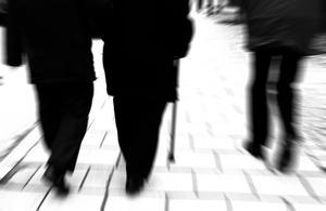 Höjd pensionsålder är för välutbildade/högavlönade – inte för arbetaren. Dessa kommer att dö innan man går i pension vid 70 år, skriver Leif Nyström. Bild: Hasse Holmberg/TT