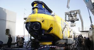 URF, ubåtsräddningsfarkost, kan rädda en hel svensk ubåtsbesättning i ett lyft.