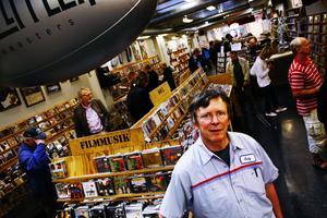 Skivförsäljningen går fortfarande upp för skivbutiken Najz Prajz på Drottninggatan, trots branchens fall, skrev NA 2/9 2008. Foto: Niklas Björling/NA
