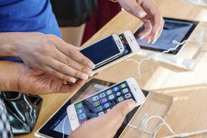 Att teckna en produktförsäkring för en iPhone6 kostar tusentals kronor, men vad får du för pengarna?