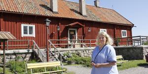 Till midsommar öppnar Elina Blomgren med familj och personal ett fik i den anrika byggnaden.