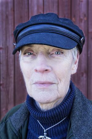 Enligt Anita Bertilsson kan Auroraängen bli ett fantastiskt utflyktsmål. När området är varsamt röjt kan man släppa in betesdjur som gör resten av jobbet.