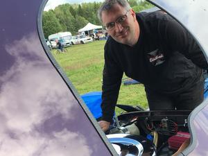 Jan Rud från Dala-Järna dundrade på bra med sin El Camino -87 på hemmabanan.