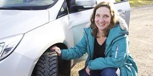 """Det står i kommunens hållbarhetsprogram att de år 2020 ska använda minimala mängder fossila bränslen i sina fordon. """"När det sker är vi i princip fossilfria i ett slag"""", säger kommunens hållbarhetsstrateg Mirjam Nykvist om investeringen i HVO."""
