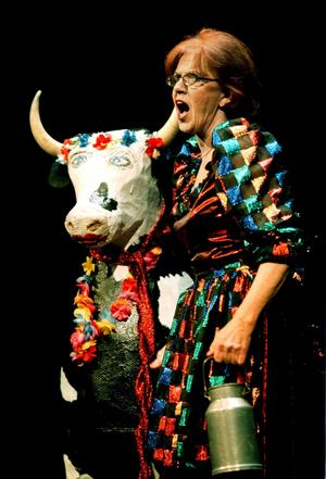 Irene Sangemark i nyårsrevyn år 2000.