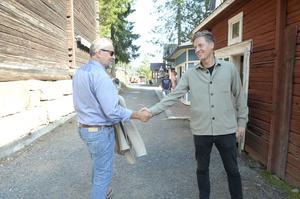 Kommunalråd i Kramfors Jan Sahlén och Emil Källström innan debatten startade.