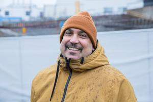 """Francisco Linares, 54 år, elinstallatör, Stockholm: """"Jag har bara jobbat i tre år och inte kunnat ta ut något än, så jag vet inte vad jag ska använda de till. Det är alltid kul med extra pengar."""""""