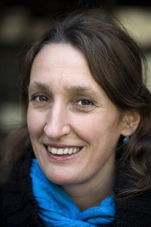 Katarina Bjärvall är journalist och författare har skrivit en rad böcker som beskriver hur vi mår och lever.