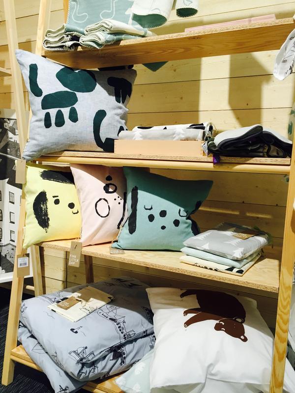 Göteborgsbaserade företaget Fine little day, med webbshop på finelittleday.com, säljer fina textilier och posters perfekta för barnrummet. Ja, inte bara barnrummet, förresten, utan här finns produkter för flera rum.