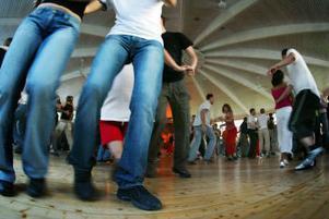 Det svängde rejält på dansgolvet när Zlips drog igång sina bugglåtar.