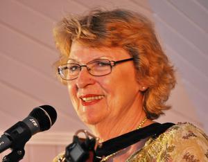 värd att vänta på. Jejja Sundström både sjöng och berättade vitsar, vilket blev väldigt uppskattat.